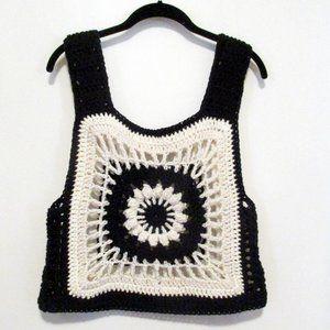 InfiniteElaine Tops - NEW Hip 2 Be Square Crocheted Camisole Medium